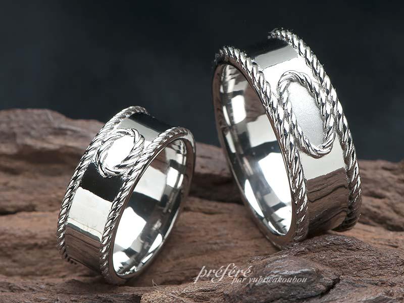 縄目模様を淵にしたオシャレなデザインの結婚指輪