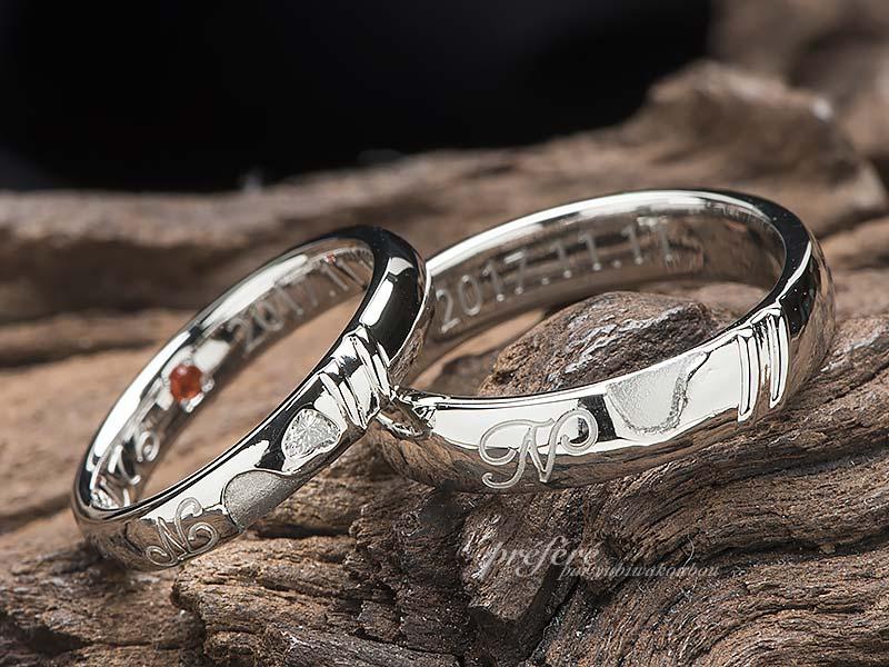 スライムモチーフとハートダイヤの結婚指輪