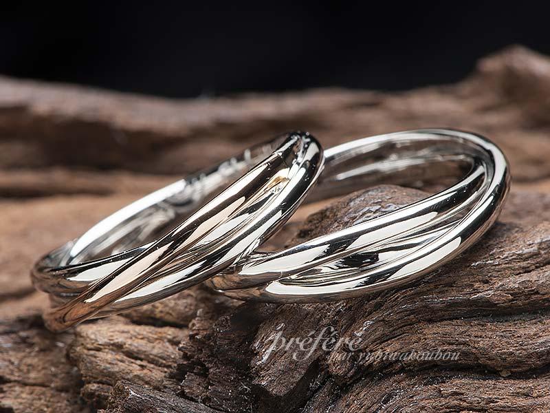 結婚指輪の内側に二人だけのデザインを入れたセミオーダーリング