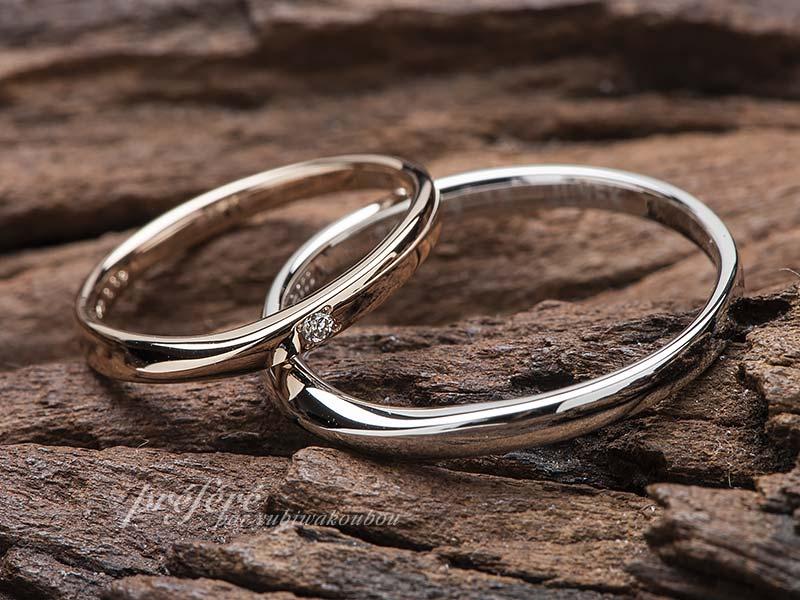 セミオーダーの結婚指輪の内側にお誕生石を入れました