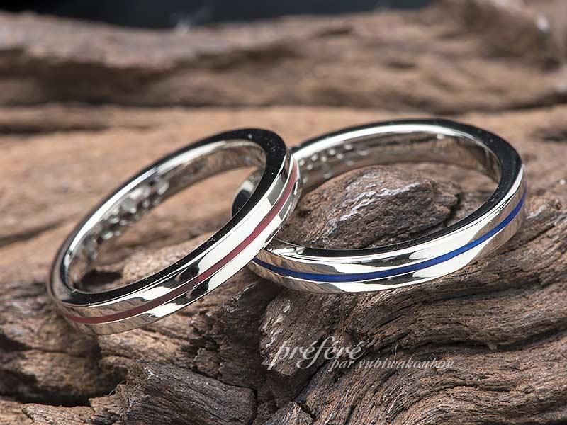 ラインにカラーを入れた結婚指輪オーダー