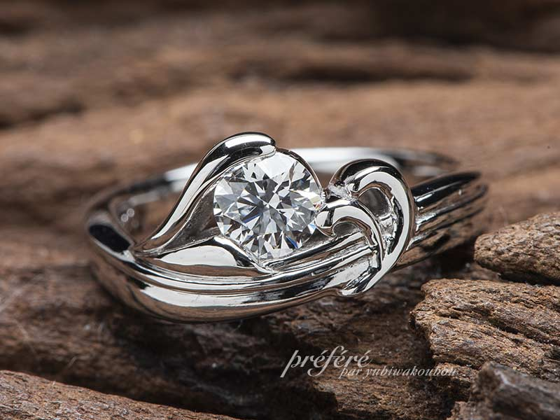 ジェットスキーのモチーフで婚約指輪をオーダーでお創りしたプロポーズリングNo.13824