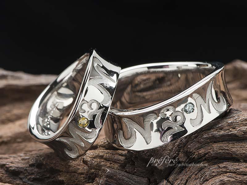 イニシャルと記念の数字をデザインした2個目の結婚指輪
