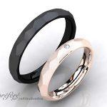 シンプルな槌目デザインのブラック仕上げのオーダーメイド結婚指輪