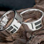 イニシャルとブラックカラーを入れたオーダー結婚指輪