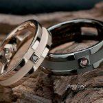 結婚指輪はオーダーメイドでクロスモチーフにカラーダイヤ