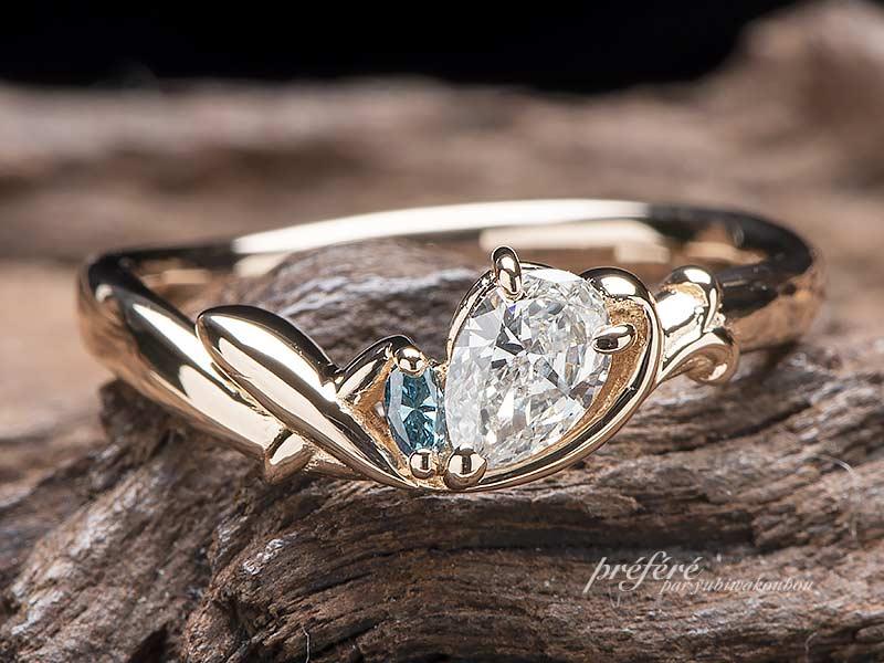 ペアシェイプダイヤに飛行機を添えたオーダーメイド婚約指輪No.14278