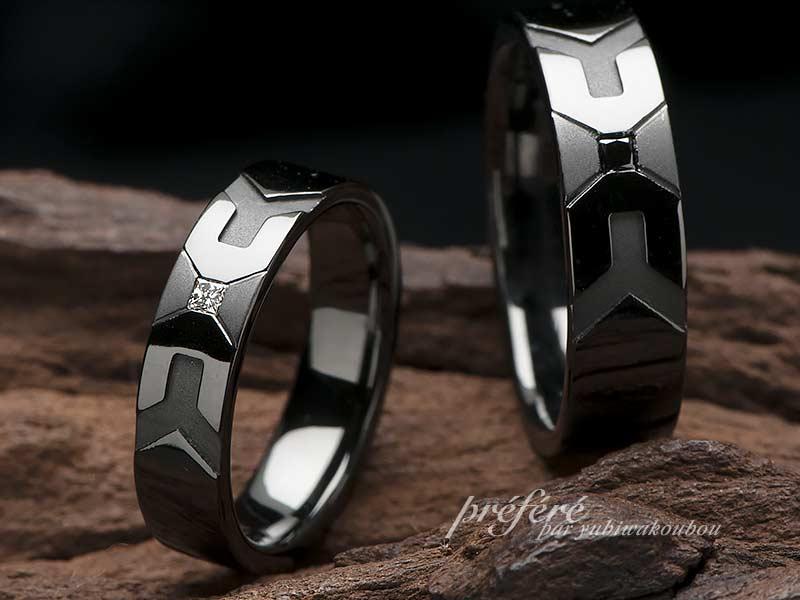 イニシャルとプリンセスダイヤを入れたブラックの結婚指輪はオーダーメイド