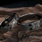イニシャルとプリンセスダイヤを入れたブラックの結婚指輪はオーダー