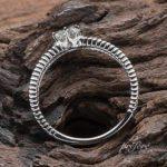 透かしとミルを入れた婚約指輪オーダー