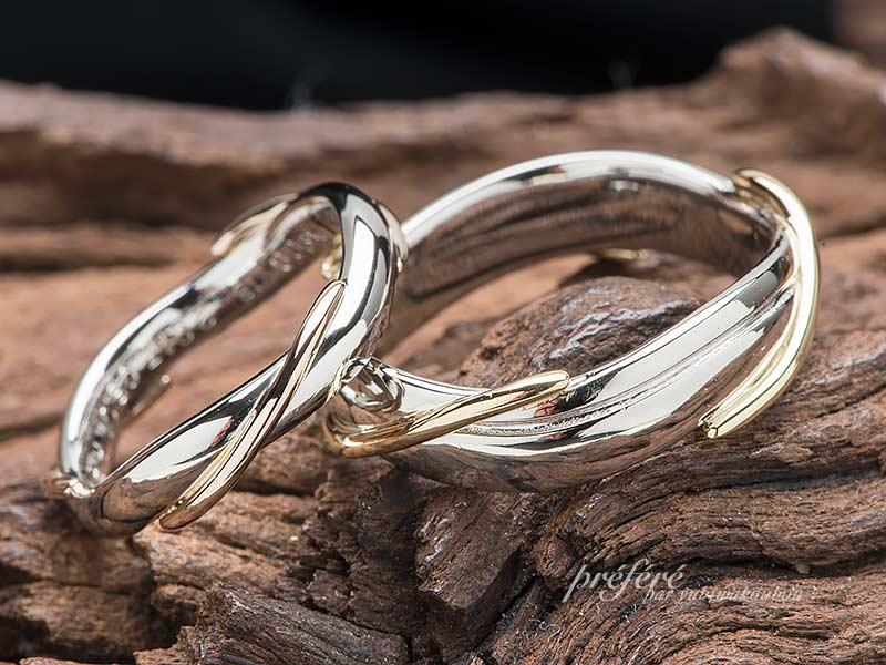 婚約指輪と重ね付けできるコンビ素材の結婚指輪はフルオーダー