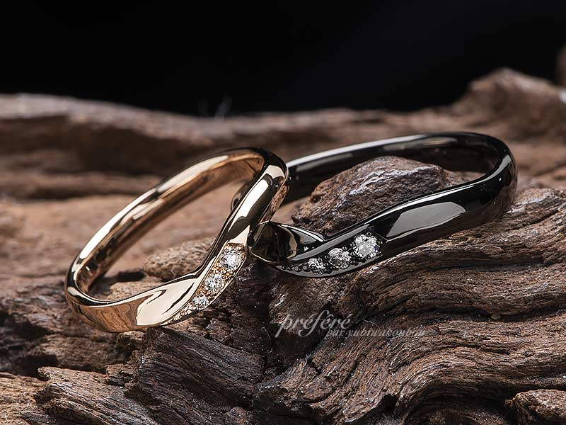 ハートサファイアの婚約指輪に重ね着けするセットリングはフルオーダーの結婚指輪