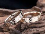 リング表面に桜を散りばめたデザインの結婚指輪